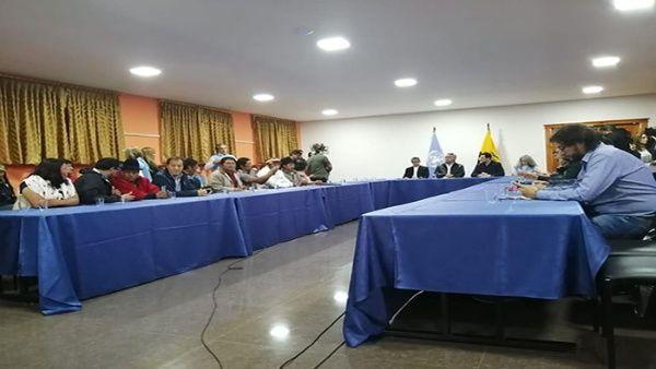 Indígenas indican a presidente ecuatoriano que el país está manejado por laderecha