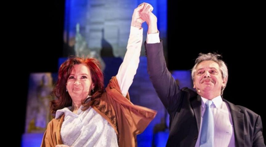 Comienza nueva era en Argentina, asumen Alberto y CristinaFernández