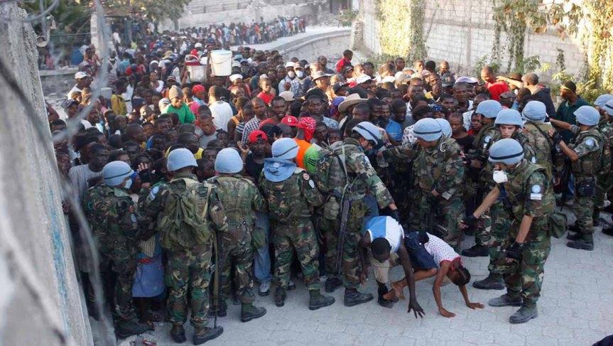 Cascos azules de la ONU, brasileños y uruguayos, violaron a 2.000 mujeres y niñas enHaití