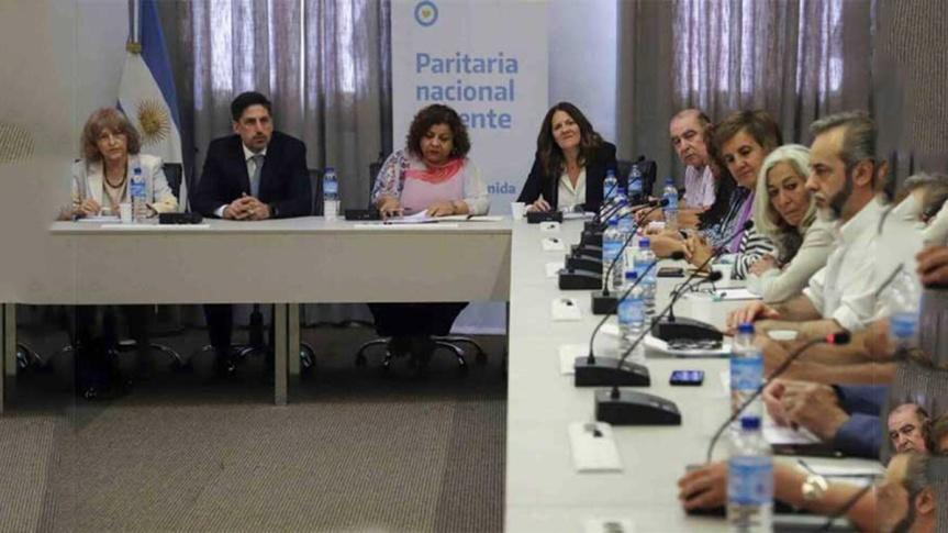 Gobierno argentino y docentes a mesa de diálogo por acuerdosalarial
