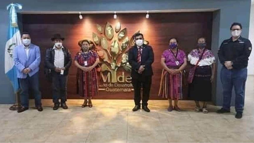 Un indi@ jamás traiciona a lospueblos