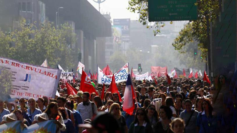 Trabajadores de la Salud de Chile inicianparo